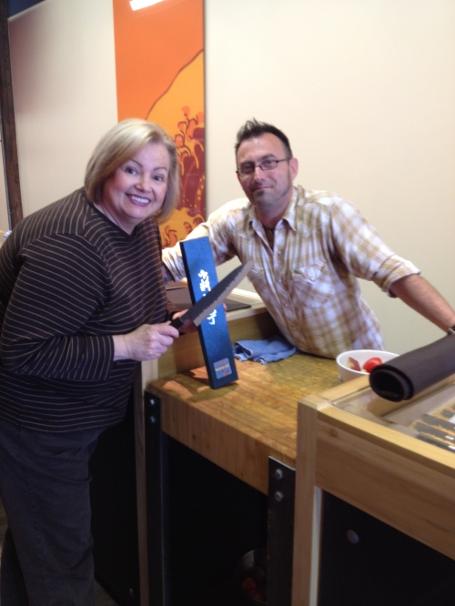Valerie Lugonja, blogger ACanadianFoodie w Mark Puttick of Knifewear Kelowna