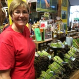 Shelley Bradshaw is founder of Innisfail Growers - a successful model of cooperative family farms - photo - Karen Anderson