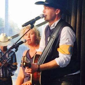 Paul and Elizabeth Brandt singing at #notinmycity